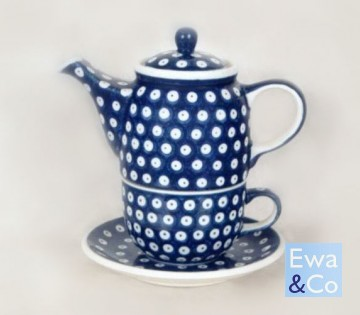 teapot and cup set