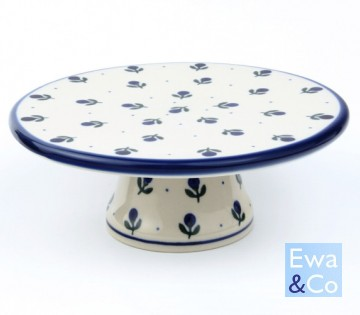 cake plate on foot
